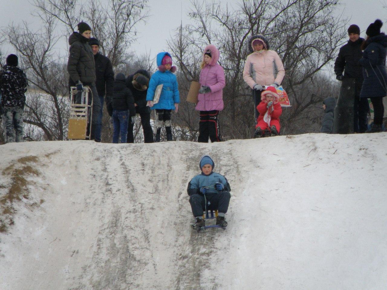 В Армянске прошел зимний мотокросс