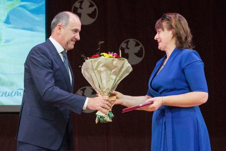 Шесть мам из Зелеленчукского района удостоены почетных знаков «Материнская слава»