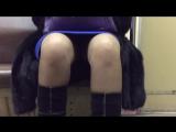 в метро под юбкой