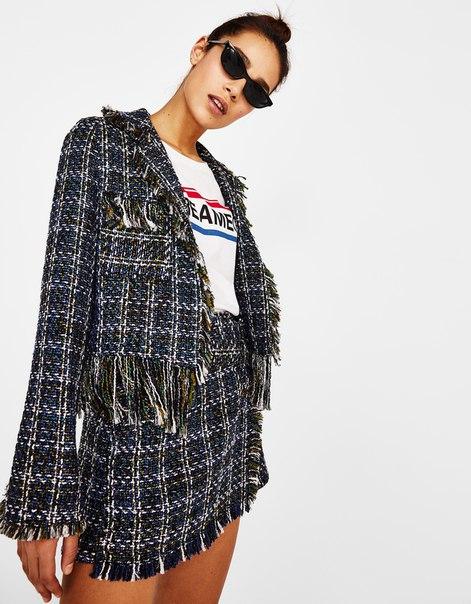 Куртка из твида с необработанными кромками