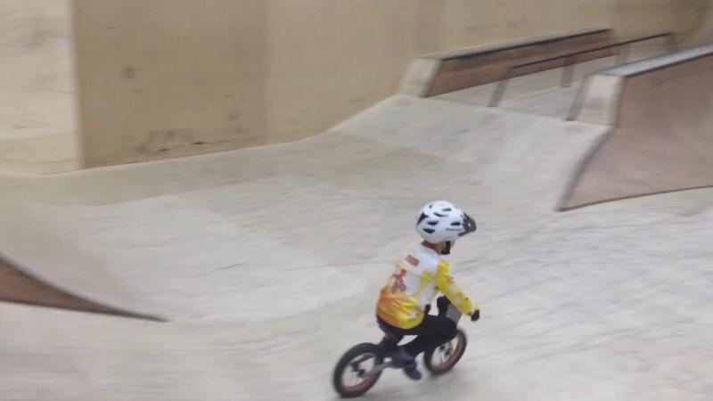 Молнии ⚡️ в скейт-парке Смена!