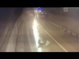 Столкновение автобуса с Lexus в тоннеле в Сочи