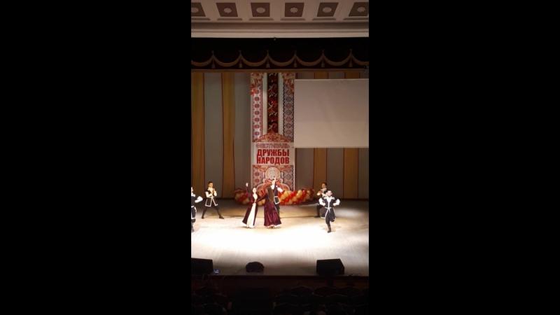 Иностранный студенты танец лезгинка 🏆12_12_2017