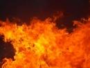 Зима именно в это время безопасней всего прыгать через огонь но и труднее