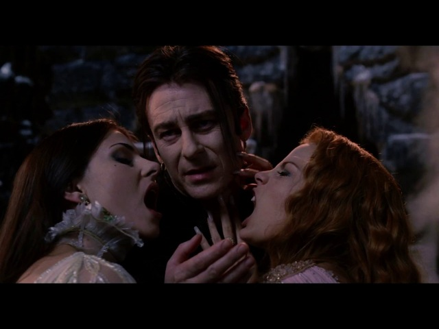 Разговор Графа Дракулы со своими невестами. HD