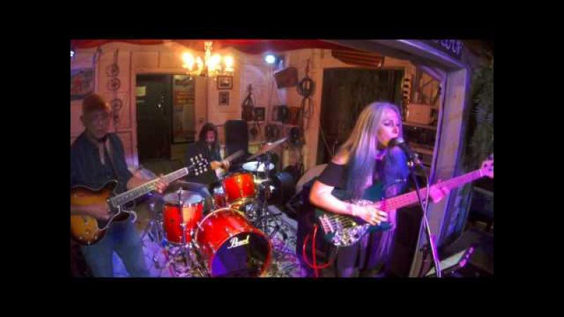 Rebecca Johnson Band *LE FREAK* Live @ The Co-Op Club (30/7/17)