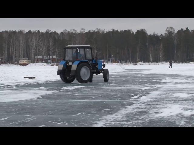 Руский дрифт на тракторе