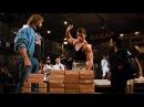 Ван Дамм разбивает рукой самый нижний кирпич. Фильм Кровавый спорт. 1988 год