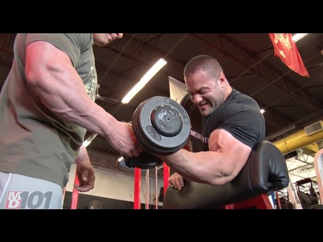 MD101- Evan Centopani on Preacher Curls
