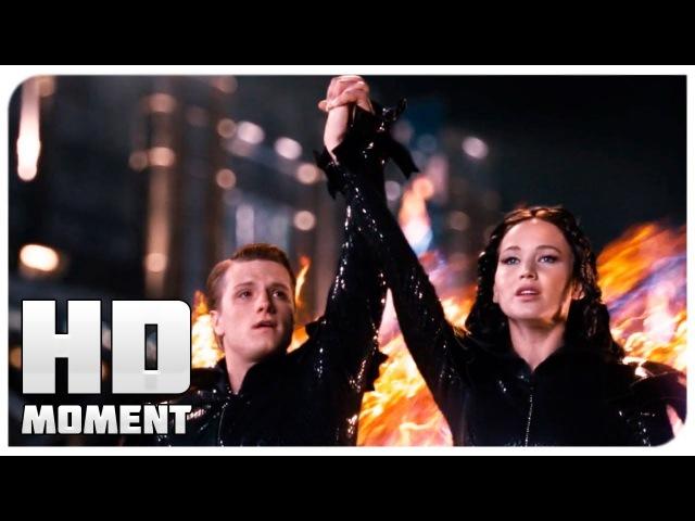 Китнисс и Пит ошеломили публику своим нарядом - Голодные игры (2012) - Момент из фильма