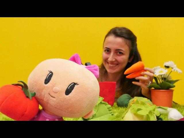 Bebe sebzeleri öğreniyor. Eğitici video çocuklar için.
