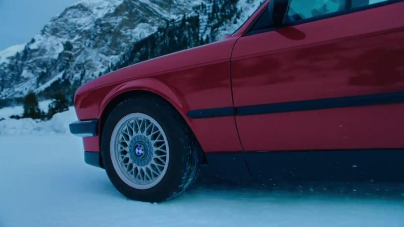 Возмутительно новогодний BMW