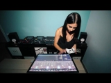 Juicy M - Mixing with djay app and Xbox controller