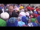 Путин на ёлке с детьми