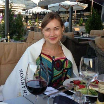 Анна Светлова
