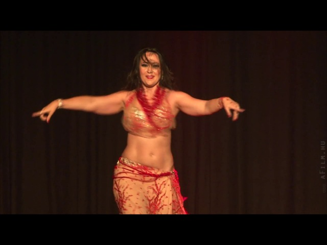 Mercedes Nieto Oriental Dance Artist - bellydance to an Abdel Halim Hafez song