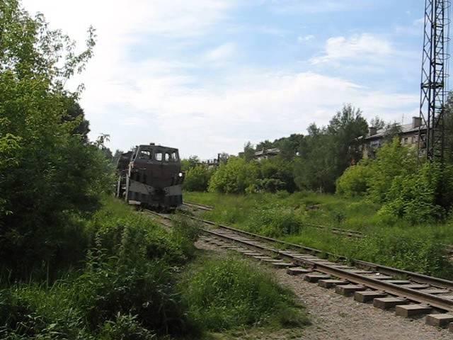 ТГМ-40С на ветке завода Авитек следует в сторону ОЦМ