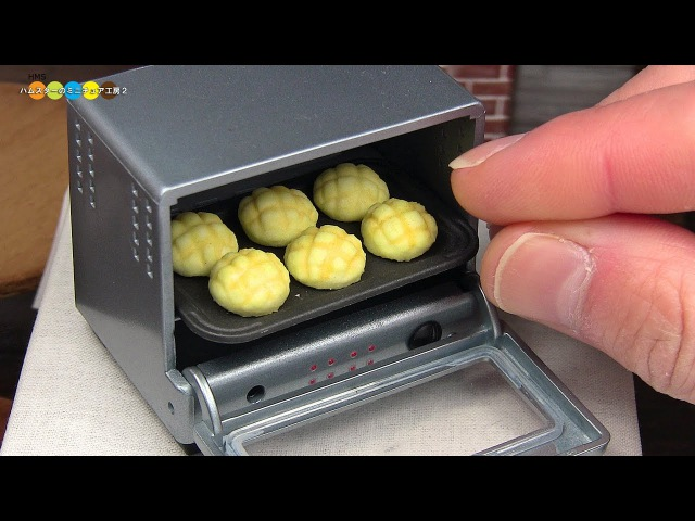 DIY Miniature Melonpan (Melon Bread) ミニチュアメロンパン作り (Fake food)