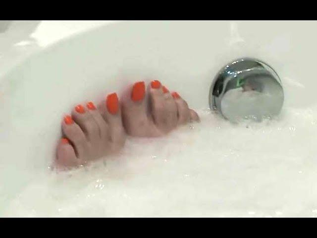 Madiha Kenifaty Feet in Bath Tub اقدام مديحة كنيفاتى الجميلة فى البا1606