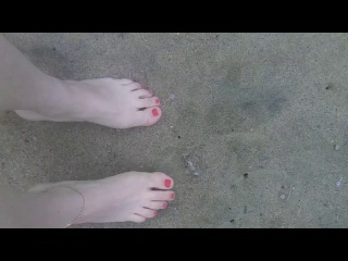 SWIMMING SEA GIRL RIVER FEET WHITE Underwater - HD