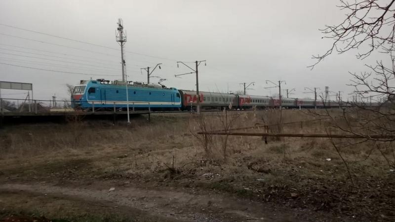 ЭП1М-588 с поездом Кисловодск-Москва