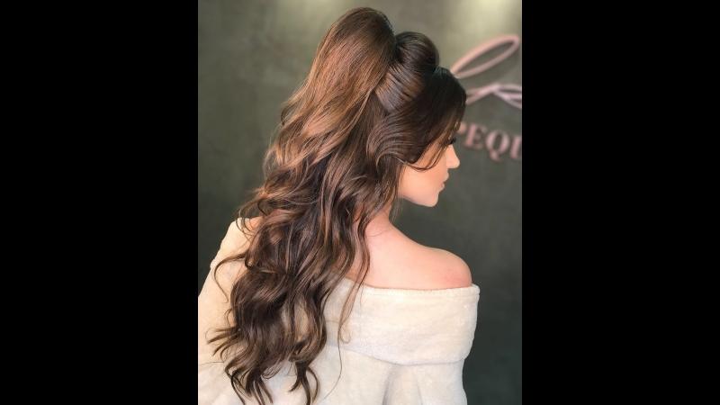 Прическа на полураспущенные волосы