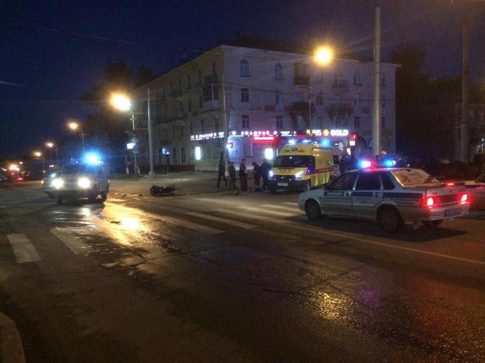В ДТП с мотоциклом в Березниках пострадали два человека