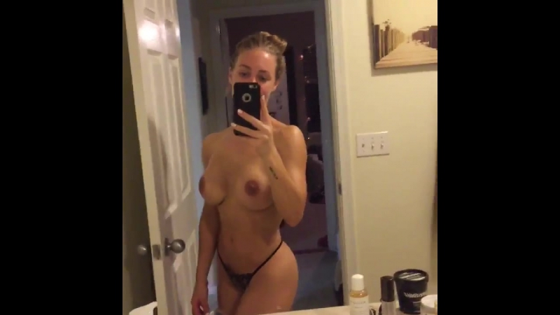 Nicole Aniston голая в ванной комнате selfie селфи на камеру [секс эротика sex erotica nu ню девушки голые стриптиз czech]