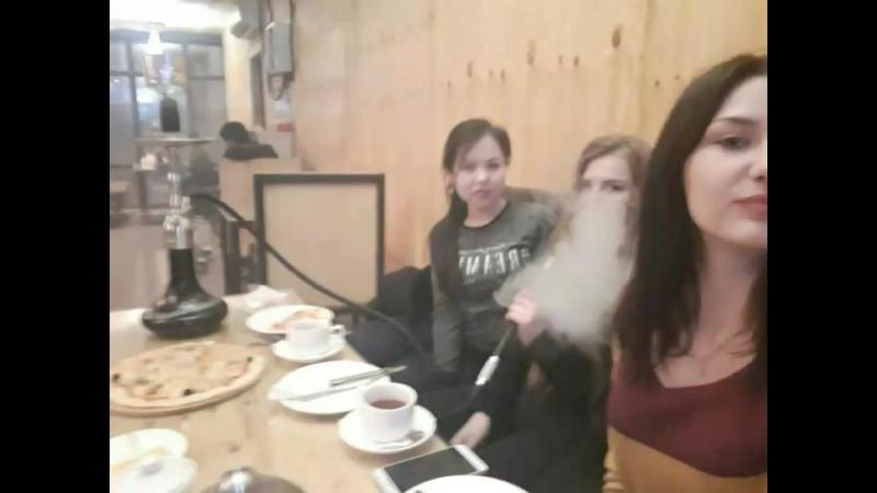 Наши дымные посиделки👧👱♀️👩🖤😤💨