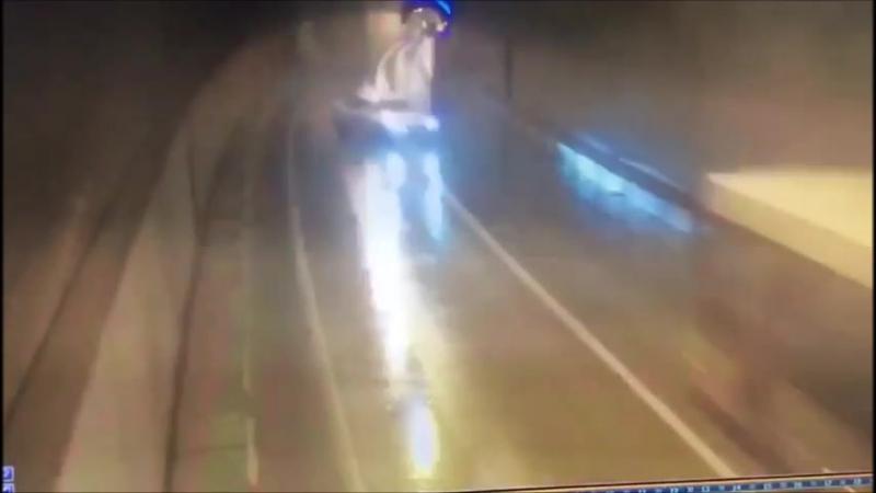 Авария на дороге Адлер - Красная Поляна 10 марта 2018 года, построенной в 2005 г.