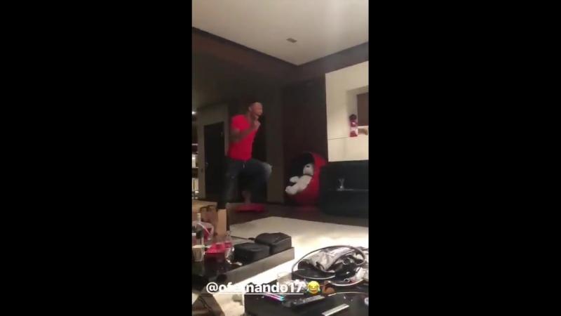 Реакция Зе Луиша на гол Фернандо (vk.com/redwhitenews)