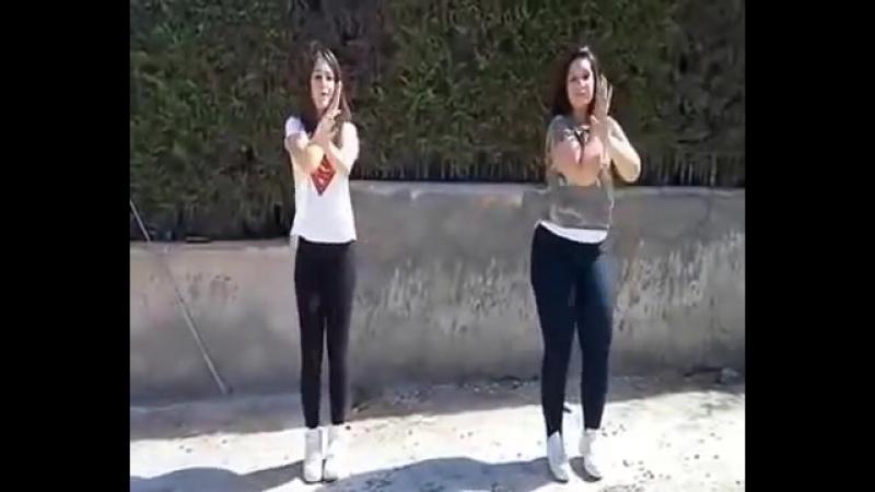 танец под песню тока тока.mp4