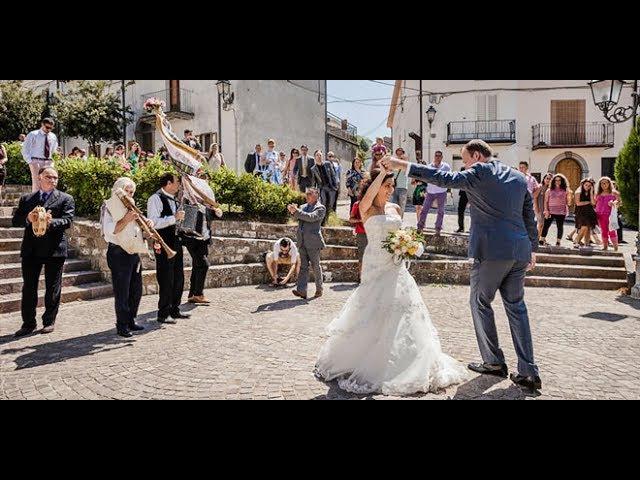 Итальянская невеста танцует индийский танец / Italian bride dances Indian dance