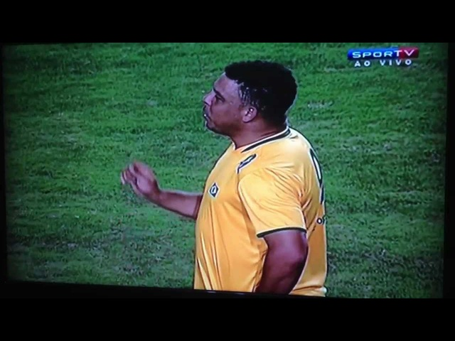 Ronaldo chamando Edmundo pra fumar maconha