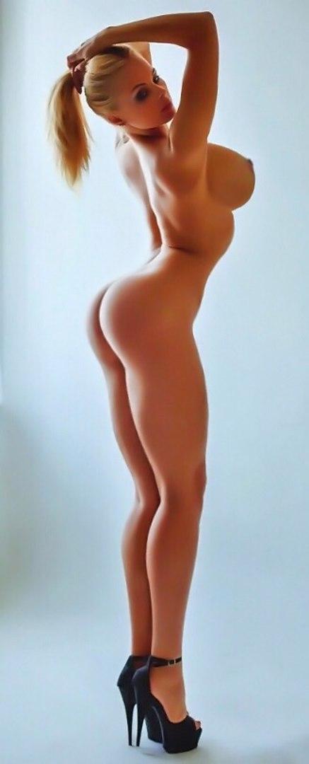 Housewife in bikini oiled and penetrated