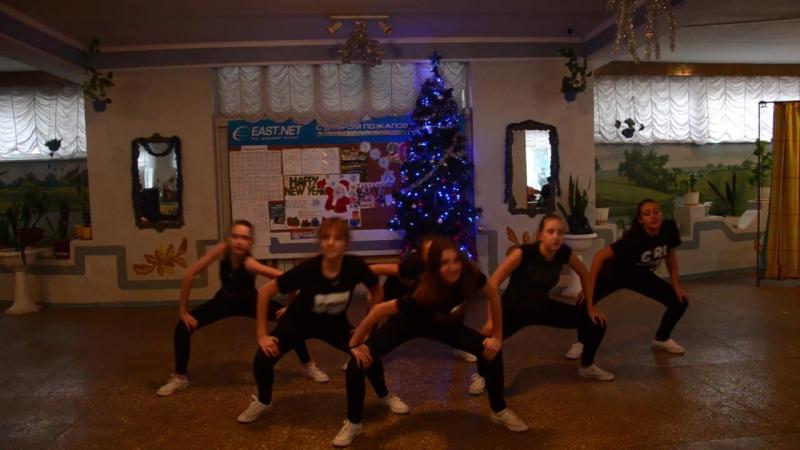 Танец 8-А класса