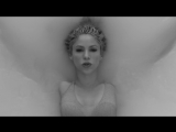 Shakira feat. Maluma - Trap (Official Video)