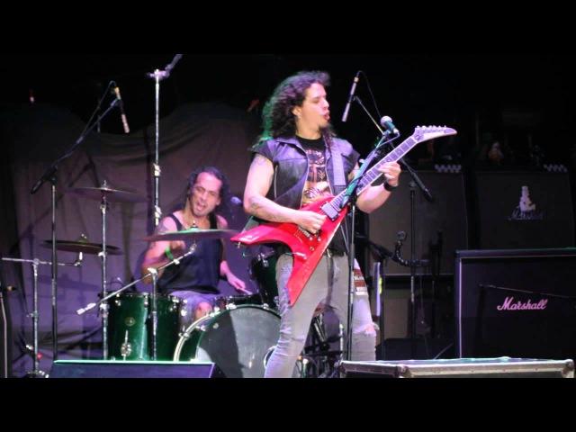 Charlie Parra - Himno Nacional del Perú Heavy Metal (en vivo Charlie en el Parque 2015)