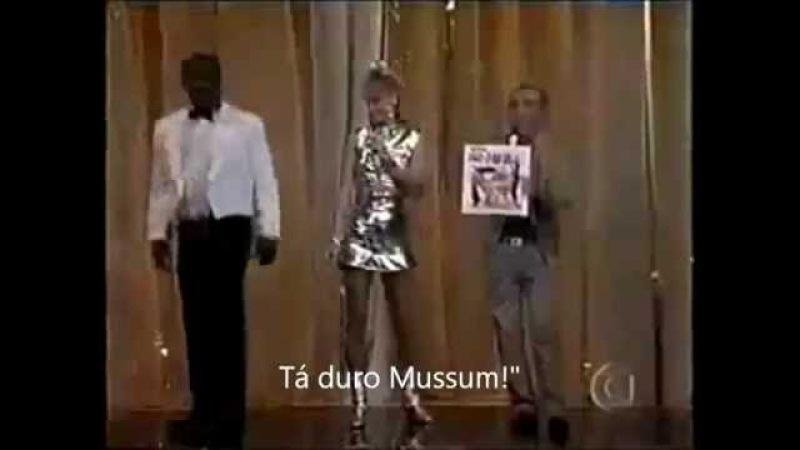 Tá duro Mussum Xuxa foi convidada para á festa do DIDI mas mussum é quem da o presente