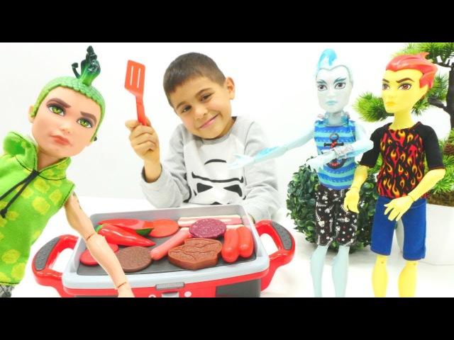 Monster High için mangal yapıyoruz Yemek pişirme oyunu
