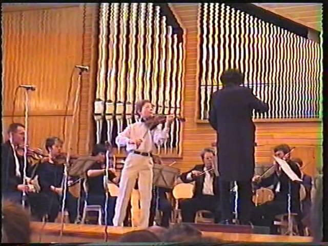 Сен-Санс. Концерт № 3. 1-я и 2-я части. Исполняет Коля Алтынов (13 лет).