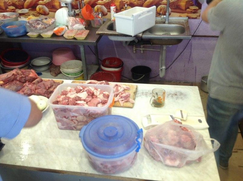 В придорожных кафе нашли мясо дикого кабана
