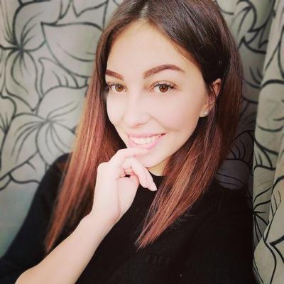 Анна Карякина