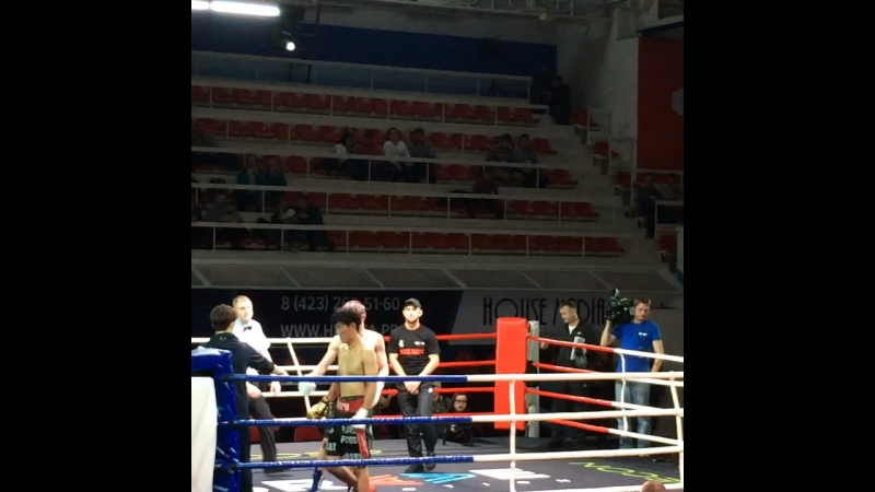 Александр Голубков 60 кг проф бой г. Владивосток