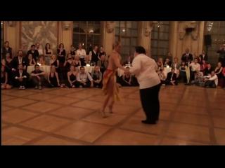 Пухлый шикарно танцует