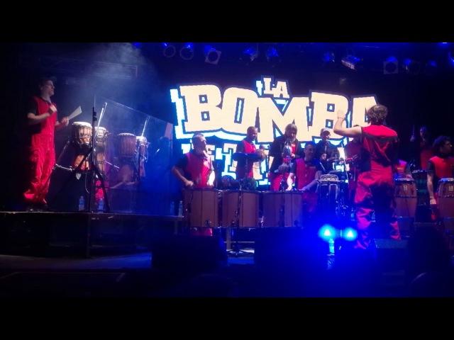 Начало вечеринки La Bomba del Tiempo 18 сентября 2017 Konex Буэнос Айрес Аргентина