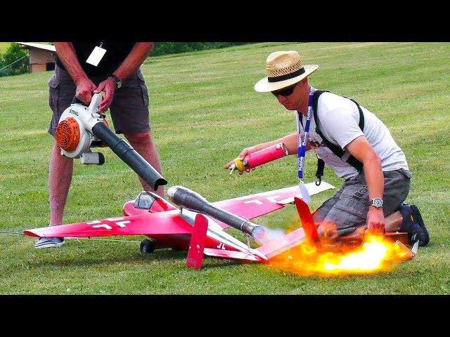 INCREDIBLY FAST LOUD!! RC MODEL PULSO JET HEINKEL HE-162 SALAMANDER DEMO FLIGHT!!