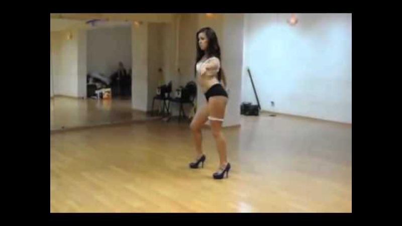 Стрип пластика. Красивый танец горячей девушки | Strip plastic. A beautiful dance of the hot girl