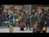 смесь между русским фольклором и Марокко в торговом центре Касабланки