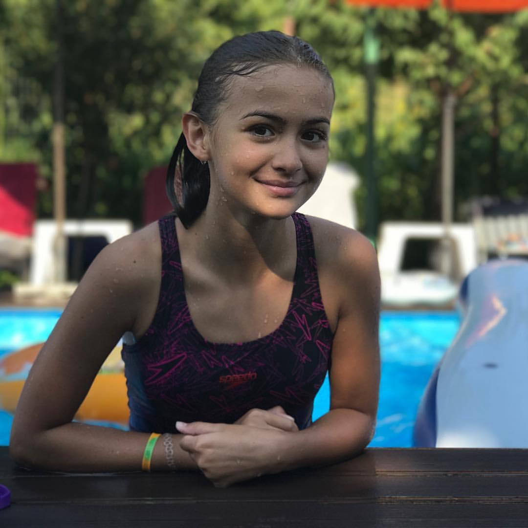 Iuliana Beregoi - Page 3 DaUlCCDWq2Q